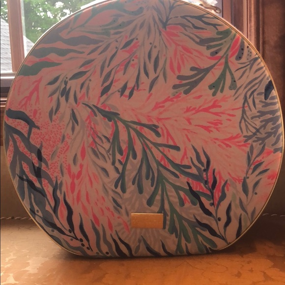 Outstanding New Lilly Pulitzer Gwp Round Carryon Kaleidoscope Nwt Uwap Interior Chair Design Uwaporg
